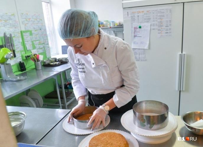 Героиня нашей рубрики «Бизнес в декрете» Анастасия Талышкина  научилась делать уникальные торты на заказ, пока сидела дома с ребенком