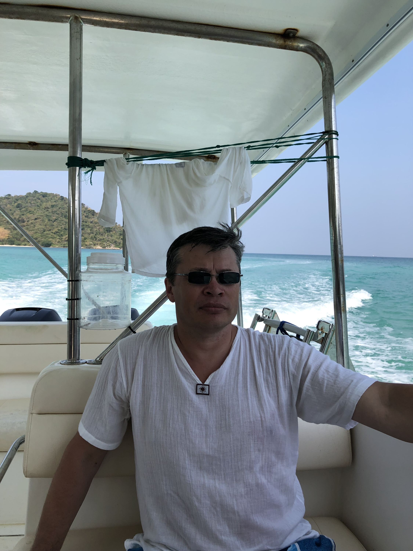 Владислав Зимин говорит, что после своего возвращения и перенесённого стресса с трудом приходит в себя
