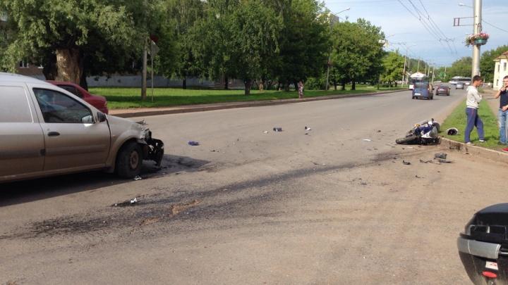 Подробности аварии в Уфе: водитель легковушки не уступил дорогу мотоциклисту