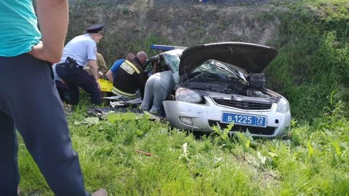 Машина ДПС улетела в кювет. В ДТП на трассеТюмень — Ханты-Мансийск пострадали четыре человека