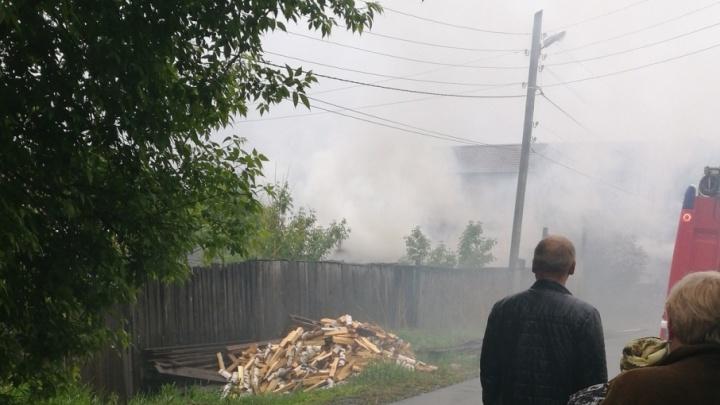 В пожаре на Астраханской погиб мужчина