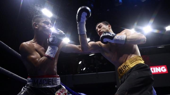 Российский спортсмен одолел аргентинца и завоевал титул чемпиона на вечере бокса в Екатеринбурге