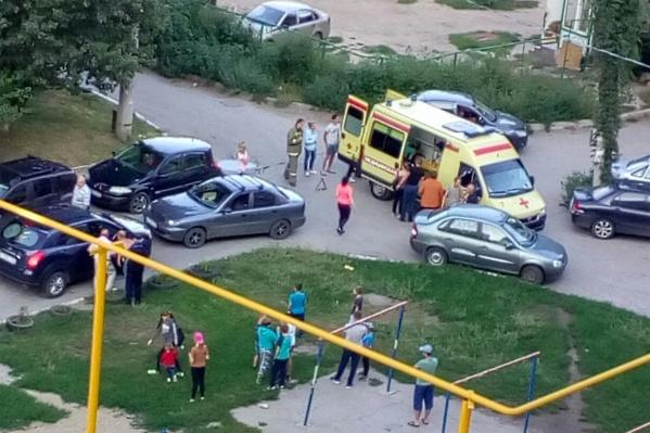 Пострадавшего забрала в больницу бригада скорой помощи