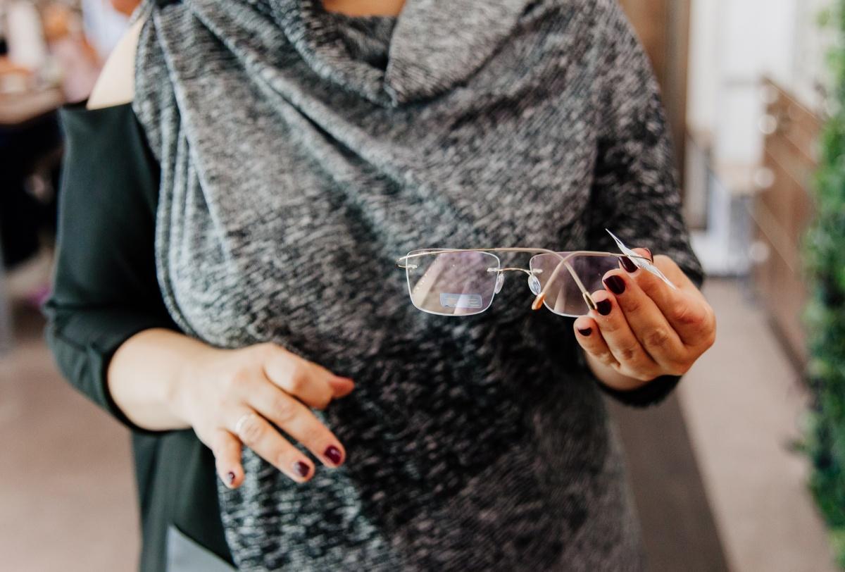 Для активных горожан подойдут минималистичные оправы Silhouette. Отдельные модели весят всего три грамма