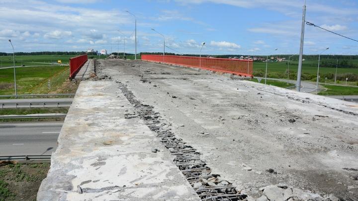«Ездят прямо по крыльцу»: ремонт мостов на М-5 обострил старые проблемы жителей пригорода Челябинска
