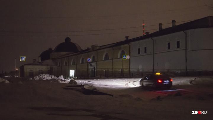 Жалко времени на планету: учреждения Архангельска проигнорировали экологическую акцию «Час Земли»
