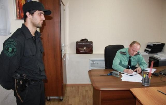 Судебные приставы взыскали штраф в 150 тысяч рублей с руководителя зауральского предприятия