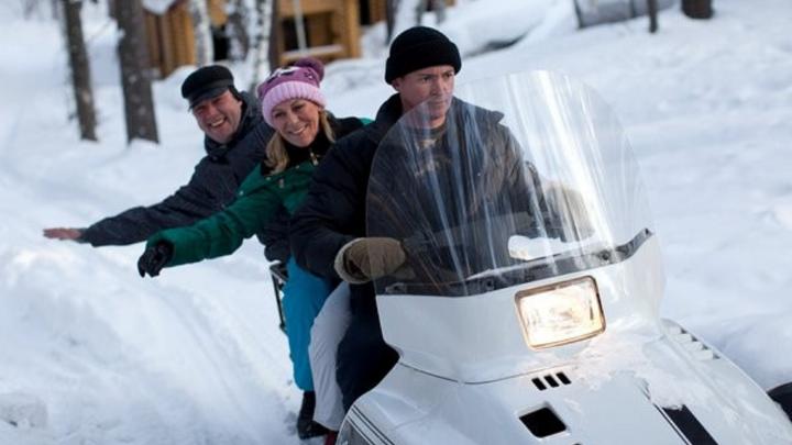 Новосибирцы выполняют задания, чтобы бесплатно покататься за городом на снегоходе