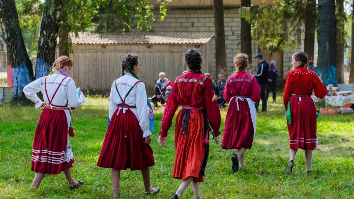 Няша, няшовка или няшинка? Тест: как правильно называются жители разных сел и деревень Прикамья?