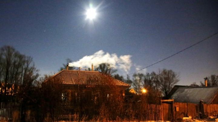 В Башкирии свекровь закрыла дом от снохи и внучек