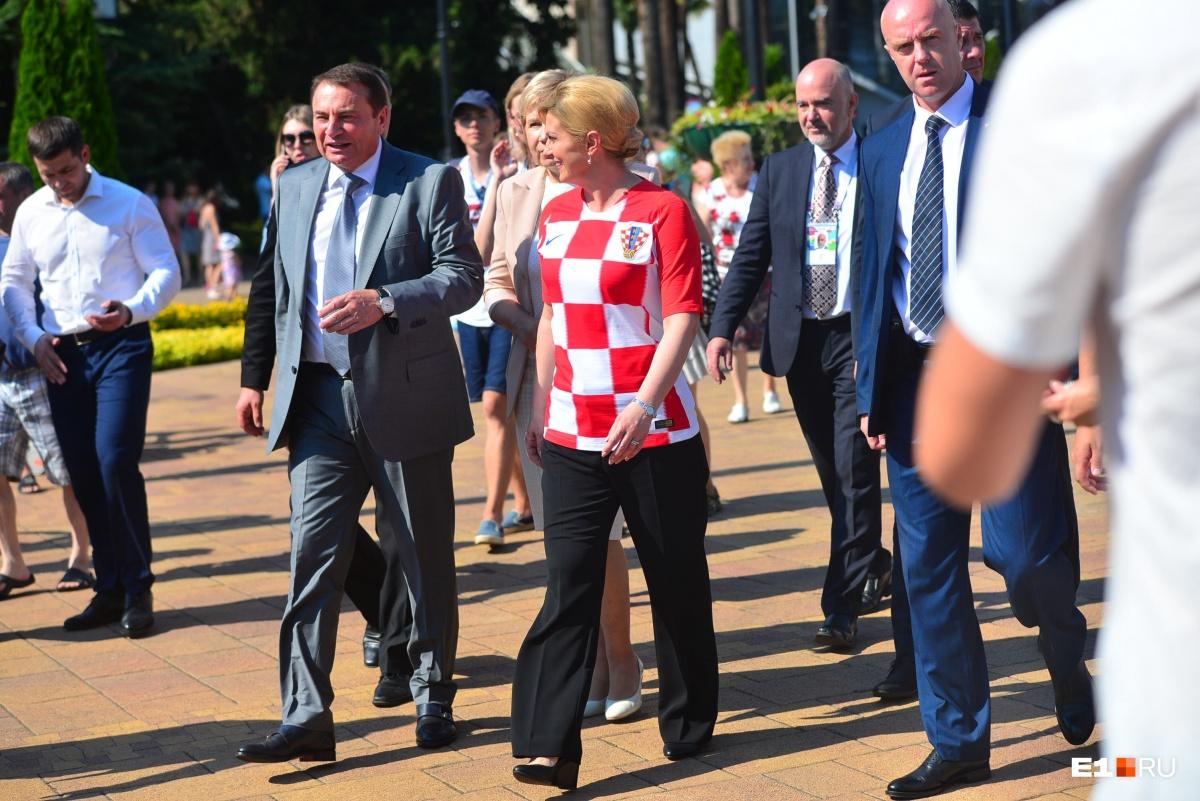 Экскурсию по городу для неё провел мэр Сочи Анатолий Пахомов
