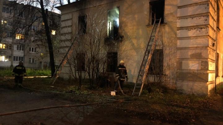 В Ярославле горел дом, где заживо сожгли человека