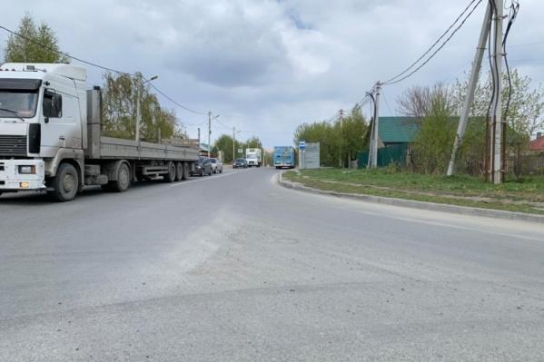 По Фадеева (на фото) можно будет добраться до Гребенщикова по дороге через железнодорожный переезд