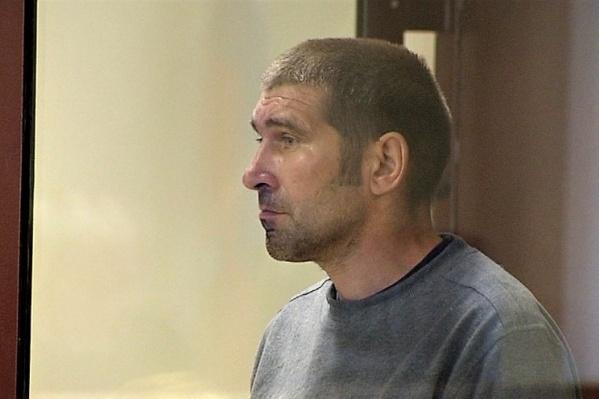 На судебном заседании 18 июля дело Шаповалова рассмотрят по существу, пригласив стюардесс и пассажиров самолёта. Он до этой даты пробудет в лечебном учреждении