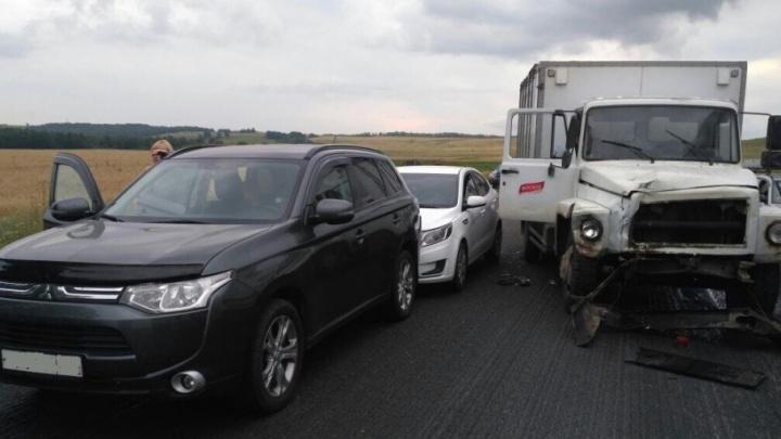 Массовая авария на трассе в Башкирии: пострадал 10-летний мальчик