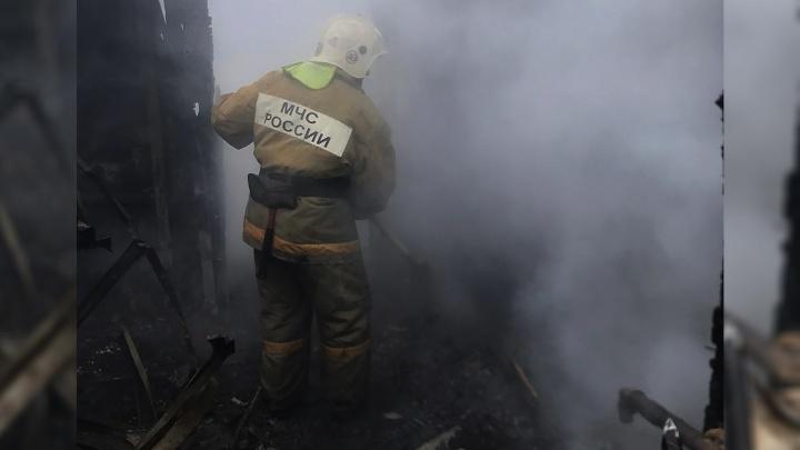 Жителей пятиэтажки в Шахтах пришлось эвакуировать из-за пожара