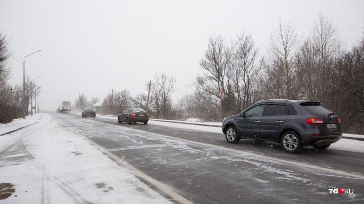 В Ярославском районе полицейские прострелили колеса машины с пьяным водителем