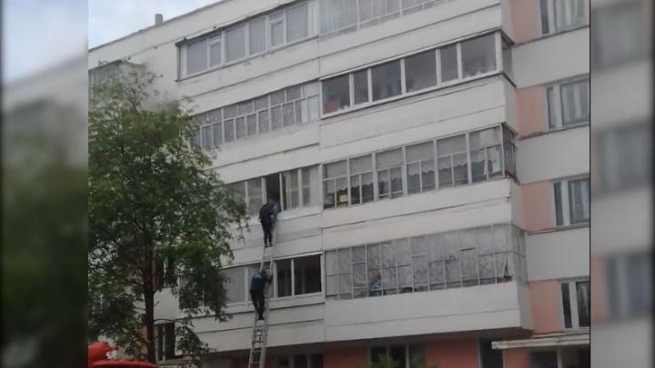 В Агидели сгорела квартира: эвакуировали 38 человек