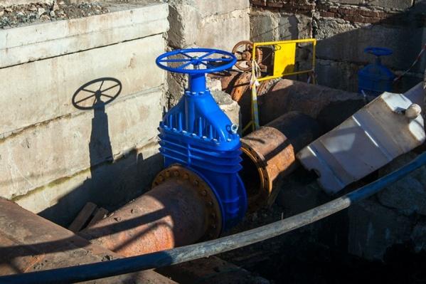 Без воды остались многоэтажки в районе Северном города Кургана