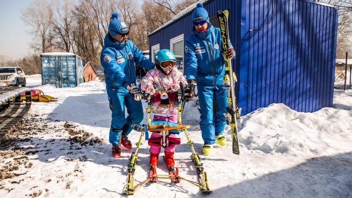 Встань и катись:три новосибирца помогают детям с ДЦП встать на ноги