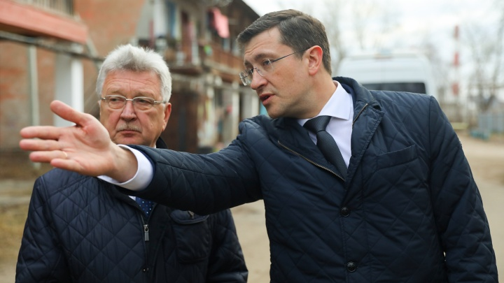 Новый разнос на камеру: главе администрации Бора влетело от Глеба Никитина за «свинарник на улицах»
