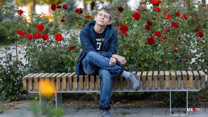 «Очень боялся, что его назовут инвалидом»: сбитый на переходе школьник перенес вторую операцию