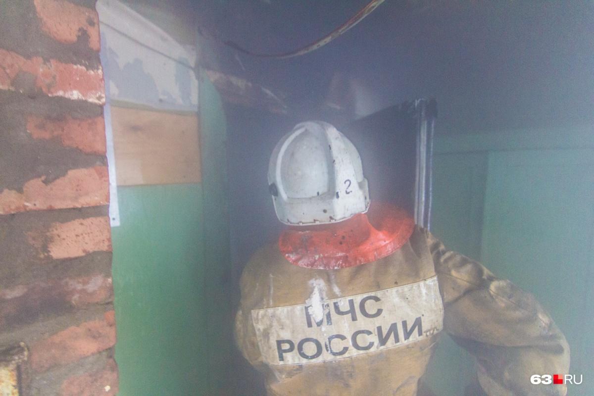 Сотрудники МЧС справились с огнем за 3 минуты