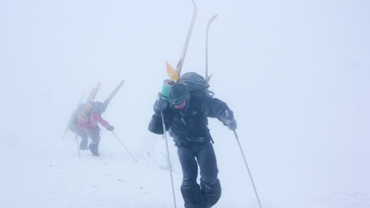 Советы от опытного туриста: как не потеряться в снежных горах Урала, а если заблудились, то выжить