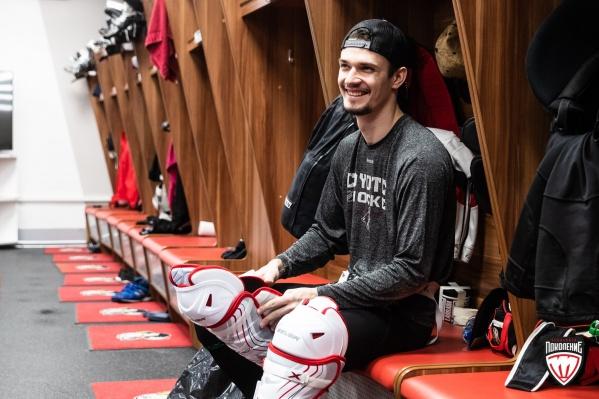 Уже через пару дней хоккеисты «Трактора» начнут подготовку к новому сезону. Вратарь Василий Демченко рад, что скоро выйдет на лёд