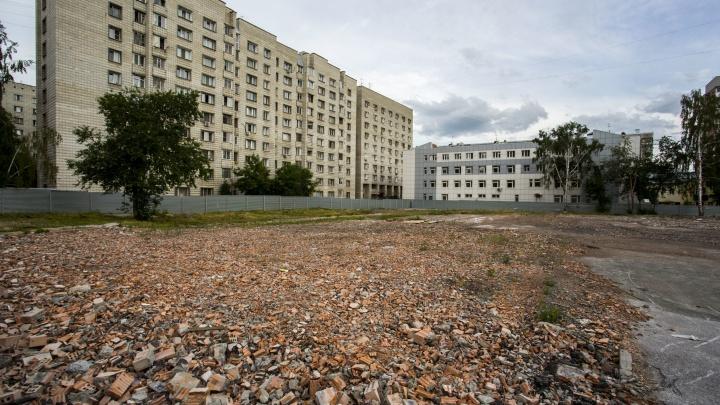 На месте старой школы и военного госпиталя в центре разрешили построить высотку