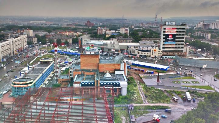 «Одного уродца я вам назову»: топ-7 самых нелепых зданий Новосибирска по версии архитекторов