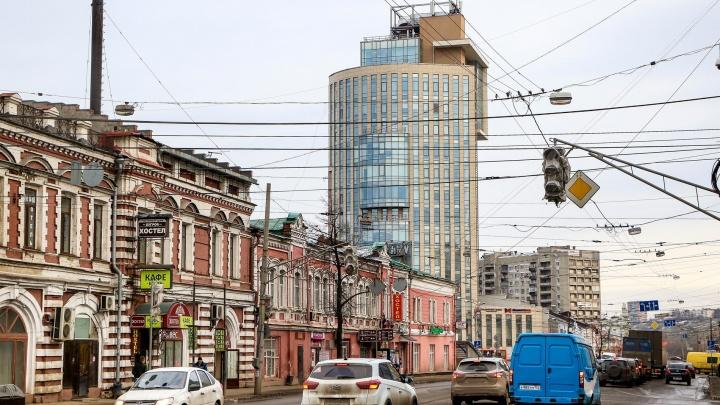 История одной улицы: гуляем по улице вечных заторов и купеческих домов — Советской