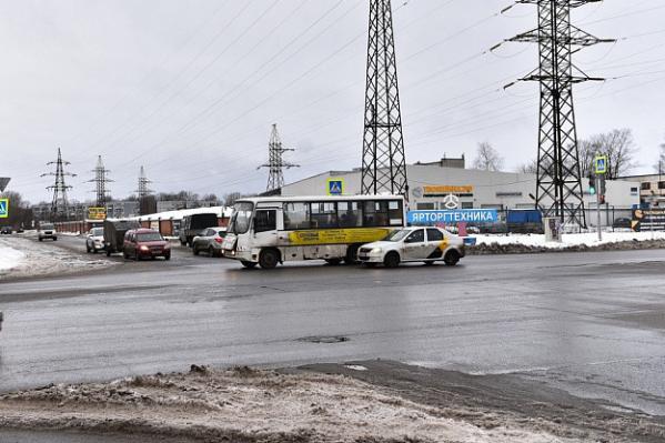 Автобусы не всегда делают крюк по Промышленной улице