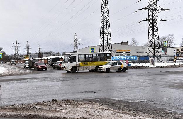 Автобусы проезжают мимо остановок: в мэрии убедились в справедливости жалоб ярославцев