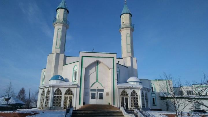 В омской мечети прочитали молитву о погибших во время теракта в Новой Зеландии