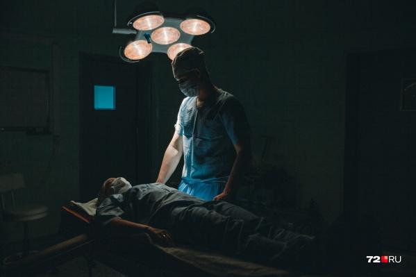 Боли в животе стали сигналом, благодаря которому медики выявили у тюменца серьёзное заболевание