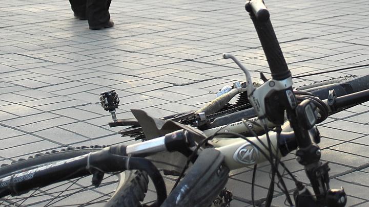 11-летний мальчик на велосипеде попал под машину на Кропоткина
