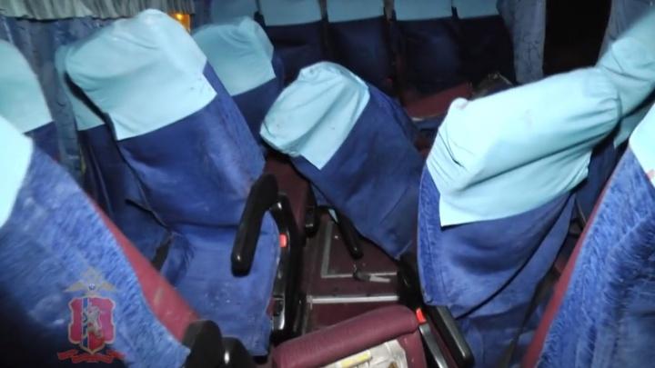«Груда металлолома»: в полиции показали, что стало с автобусом после аварии с грузовиком на трассе