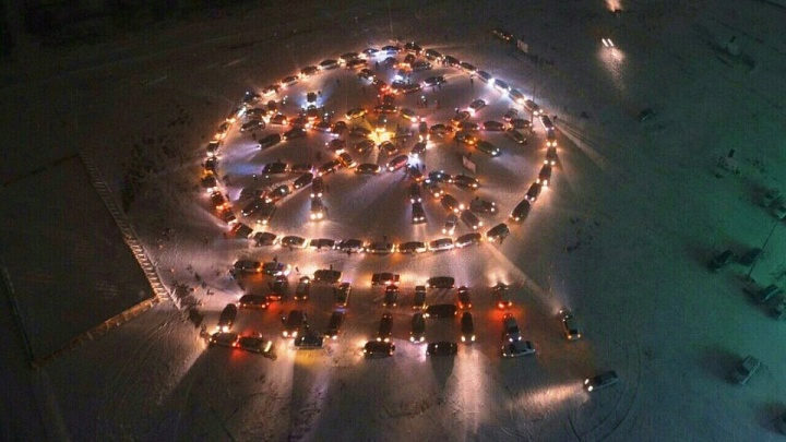 «Елку строить не будем»: волжане готовятся к новогоднему флешмобу для водителей