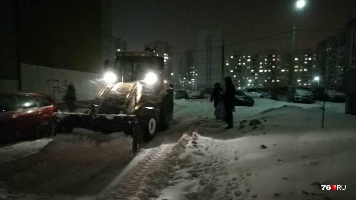 «Мы не уберём этот снег»: в Ярославле дворники ругают чиновников за «снежный билет»