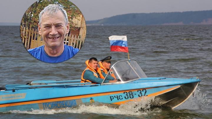 На заплыве моржей, прошедшем на празднике в Осе, пропал мужчина. Говорят, там не было спасателей