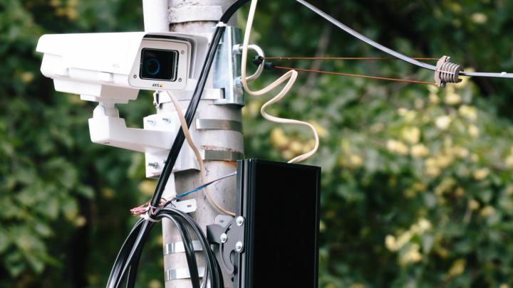 «Не новые»: чиновники дали пояснения по закупкекамер видеонаблюдения для дорог Самары