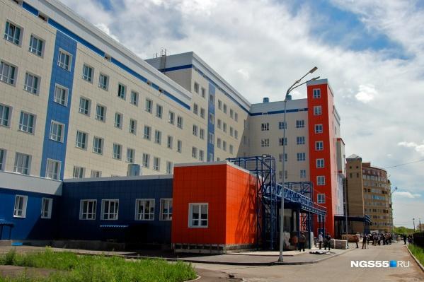 Фасады поликлиники готовы на 100%