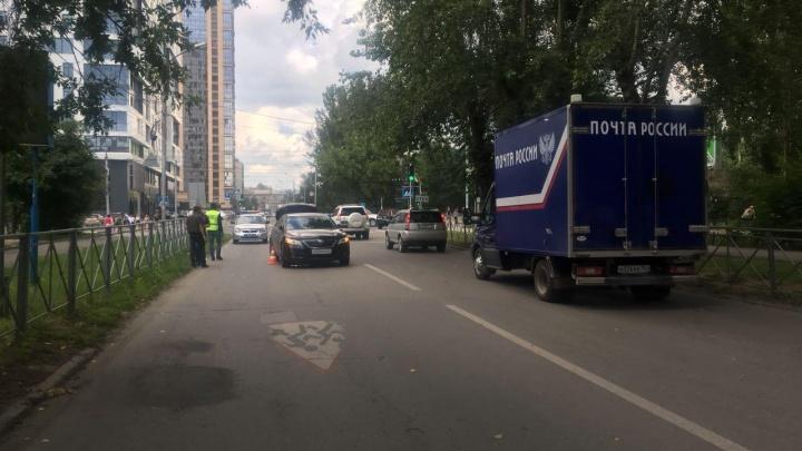 «Тойота Камри» сбила ребёнка недалеко от Нарымского сквера —мальчика увезли в больницу