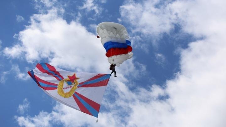 Парашютисты, самолёты и танцы: как гулял Ярославль в честь Валентины Терешковой