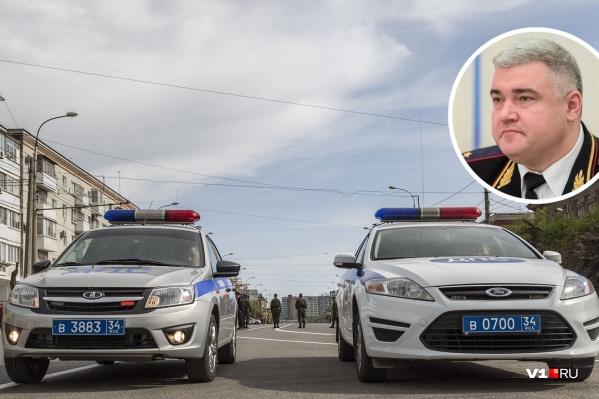 Михаил Черников: «Что у нас в Волгоградской области? Экономика пошла вверх, что ли? Откройте справочники и посмотрите, насколько отрицательно там всё в вопросах, касающихся экономической составляющей»