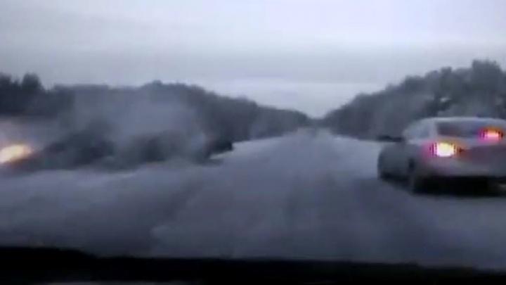 Страшная авария на Полевском тракте, где погибли полицейские, попала на видеорегистратор