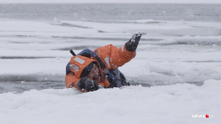 Подавал сигналы о помощи: житель Башкирии чуть не утонул в Белой во время рыбалки
