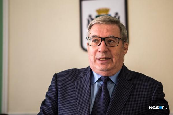 Виктора Толоконского до сих пор считают тяжеловесом новосибирской политики, хотя он давно уже никакие политические посты не занимает