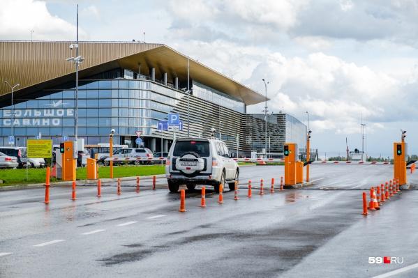 «Боинг-738» экстренно совершил посадку в аэропорту Большое Савино